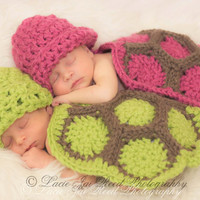 Twin Newborn Cuddle Critter Cape Set - Hatchling Turtle Cape Set - Baby Crochet Hat - Photo Prop - Crochet Turtle - Baby Boy & Girl Set