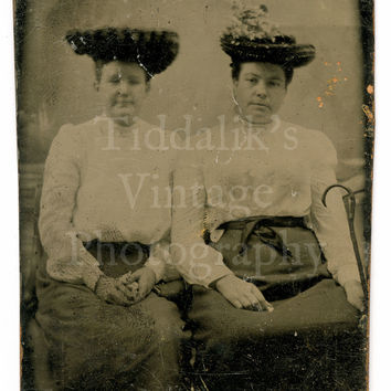 Tintype / Ferrotype Portrait of 2 Seated Victorian Women with Hats Tin Type