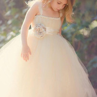 Sweet Princess Champagne Tulle Flower Girl Dresses with Lace Straps Ball Gown Pageant Dresses First Communion Dresses for Girls