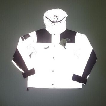 THE NORTH FACE X SUPREME GLOW IN THE DARK WINDBREAKER JACKET