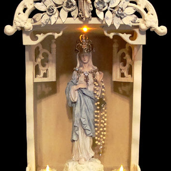 Victorian Shrine/Altar/Meditation Display Case w/ Statue of Virgin Mary w/ Metal Crown Shabby Chateau Chic