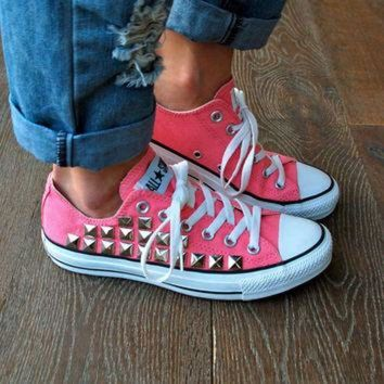 DCCKHD9 Studded Converse Sneakers - Coral/Pink Converse Low Top Converse All Star Chucks Sneak
