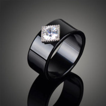 Nice Fit Brand Inspired Acrylic Black Wedding Engagement Rings for Women Vintage Affordable Imitation Diamond Bague Femme J02338