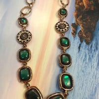 Emerald Green Stone Necklace, Gold Chain Green Stone Necklace, Costume Jewelry, Liz Claiborne Necklace, Green Cabochon Crystal Necklace