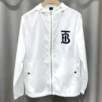Burberry 2019 new street fashion BT print hooded sunscreen clothes windproof jacket white