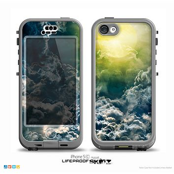 The Bright Sun Over Cloud-Magic V2 Skin for the iPhone 5c nüüd LifeProof Case