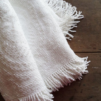 Vintage Bedspread Coverlet Bedding Blanket Throw Chenille PopcornWhite Fringe Home & Living Home Decor Shabby Cottage Chic Hobnail