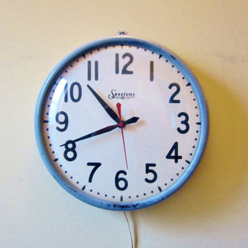 Vintage INDUSTRIAL Wall Clock SESSIONS UNITED Glass Dome
