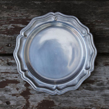 Vintage York Metalcrafters Queen Anne Pewter Salad Plate 8"