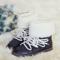 Nanook Snow Boots in Brown