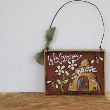 Beehive Welcome Sign ~ Miniature Welcome Sign With Beehive, Flowers And Bumble Bees ~ Hand Painted Country Home Decor Welcome Sign