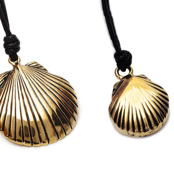 Clam Shell Oyster Handmade Brass Necklace Pendant Jewelry