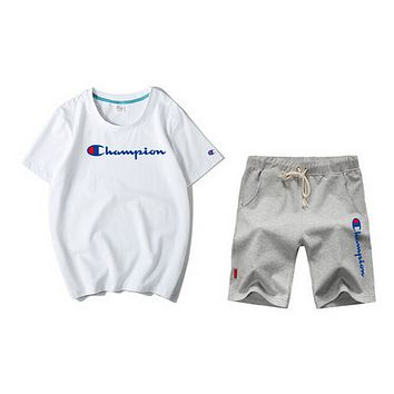 Champion sells men's short-sleeved shorts suits