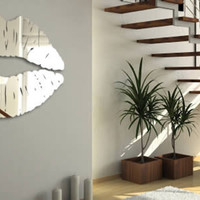 Lips Mirror resin wall mirror