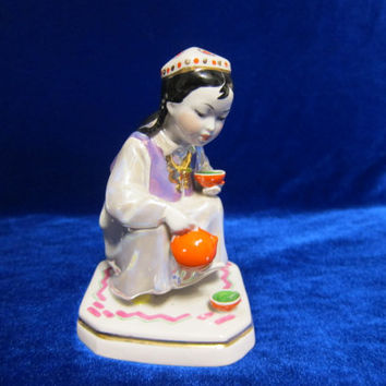 VINTAGE Porcelain Figurine Soviet DULEVO Uzbek Girl with tea pot ussr 1959