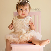 Baby girl dress. Baby girl first birthday outfit. 1st birthday outfit. Tutu dress. Baby petti skirt. Cake smash outfit.