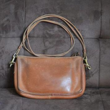 ONETOW Vintage Coach Purse Legacy British Tan Satchel New York City Bag 70's to mid 80's