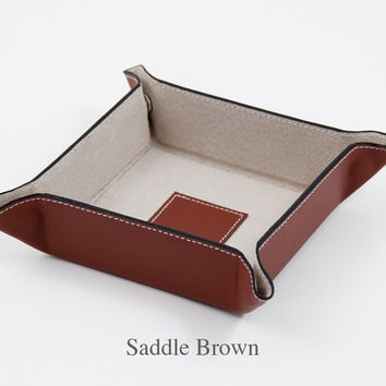 Men's Leather Valet Tray - Personalize this Leather Gift for Him as a travel Accessory - Makes a Great Groomsmen Gift