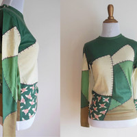 briar patch tee | 1970s long sleeve vintage t-shirt in forest green, tan & rose | crew neck | never worn | XS to SMALL