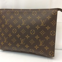 Auth Louis Vuitton Monogram Poche Toilette Clutch Bag 8C120040r