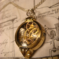 Vintage Watch Parts and Gears in a Upcycled Vintage Watch Case Steampunk Necklace (1716)