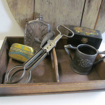 Primitive Wooden Caddy Silverware Tray Farmhouse Kitchen Antique Wood Tray with Center Handle, Primitive Kitchen decor, Primitive Wood Decor