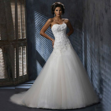 New Arrival 2016 Applique Wedding Dresses Strapless Floor-length Tulle Appliques Bridal Gowns Vestidos de Novia