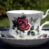 Royal Albert Teacup and Saucer, Deep Red Rose Tea Cup, Montrose Shape Made in England J-1601