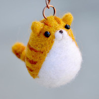 Cat Keychain needle felted cat, needle felted animal, cat key holder, cat figurine, amigurumi cat, orange tabby, felt kitty