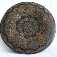 Tulip etched flowers PLATE vintage COPPER dish, home decor. Wall hanging, floral ETCHING, folk art, Turkish metal craft Coppersmith engraved