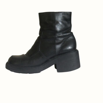 Black Platform Boot 90s Platform Boot Women Boot Size 7 90s Black Boot 90s Rave Boot Gothic Boot Black Goth Boot Block Heel Boot Club Kid