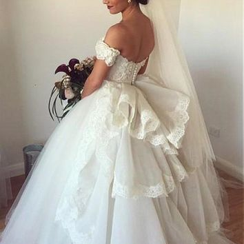 [195.99] Glamorous Tulle & Organza Sweetheart Neckline Ball Gown Wedding Dresses With Lace Appliques - dressilyme.com