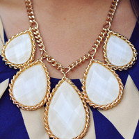 Queen Of Jewels Necklace: Ivory/Gold | Hope's
