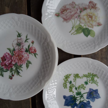 6 Vintage Dessert Plates Flowers Porcelain DE LIMOGES FRANCE Serving Entertaining Wedding Tea Party Dining