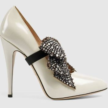 Crystal Bow Pumps