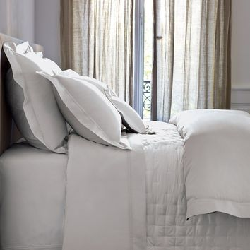 Triomphe Silver Bedding by Yves Delorme