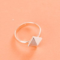 3D Textured Pyramid Ring