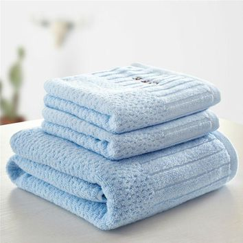 New Letter Embroidered Jacquard Towel Set 3pcs 100% Cotton Bath Towel 70x140cm Size 33x71cm Face Towel Cotton Platinum Washcloth