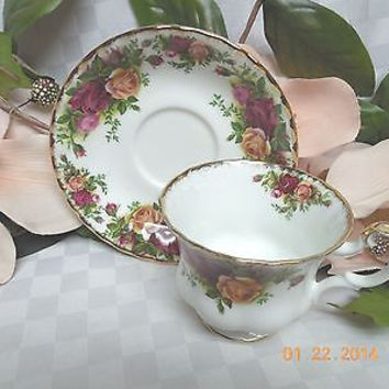 Royal Albert China bone white  England Old country roses Cup & saucer Second