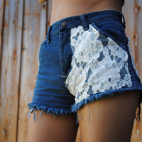 Lace Highwaisted Shorts