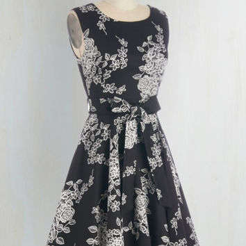 Girl Meets Twirl Dress in Noir Blossom | Mod Retro Vintage Dresses | ModCloth.com