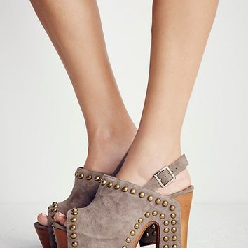 Free People Baroque Platform