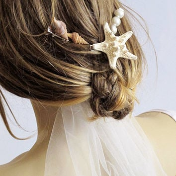Beach wedding, Sea Shells,  hair pins, starfish, pearl bead,hair accesory, bridal accessory,  Bridesmaid Gifts, Gift Ideas