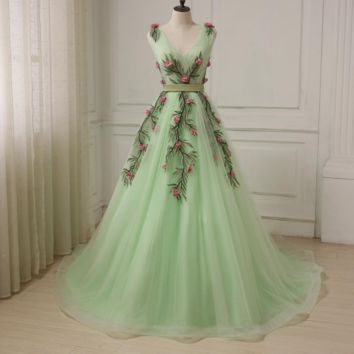 Sexy V Neck Evening Gowns Mint Cap Sleeve Tulle A-line Formal Party Prom Dresses Court Train Designer