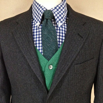 38S Classic Men --Flannel Pinstripe Suit -- Gray -- Wool Flannel -- Preppy Ivy League -- 3/2 Roll -- Jos A Banks -- 38S M Medium