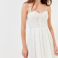 Del Ra Embroidered Floral Busiter Dress   Urban Outfitters