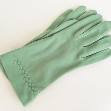 Vintage Gloves Moss Green Gloves Party Gloves Bridesmaid Gloves Church Gloves Easter Gloves Womens Gloves Glove Size 5 1/2