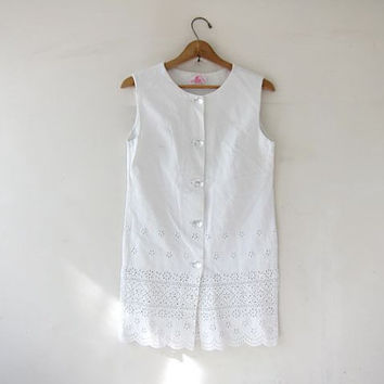 Vintage crisp white dress. Button front mini dress. Cotton eyelet tunic top. Twiggy dress.