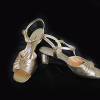 Vintage 70s Gold Dancing Shoes - Gold T Strap Sandals - 8 1/2