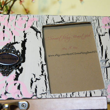 Black and White and Light Pink Crackle Shabby Chic 4 X 6 Picture Frame With Memories Emblem, Paris Theme Decor